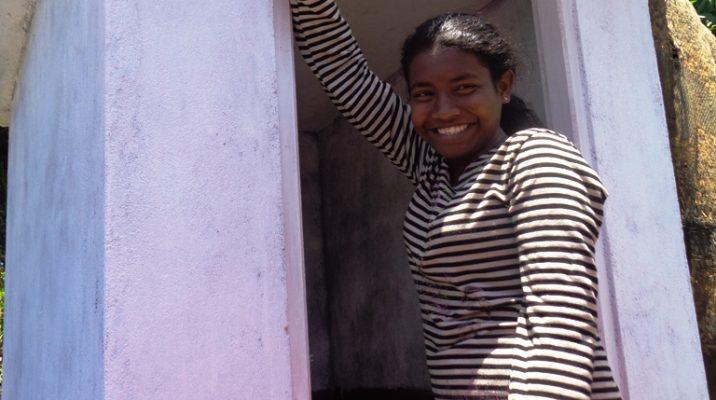 Flicka fått toalett